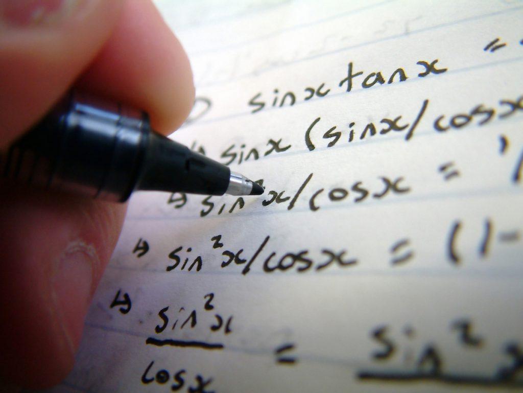 Belajar matematika EDUCENTER