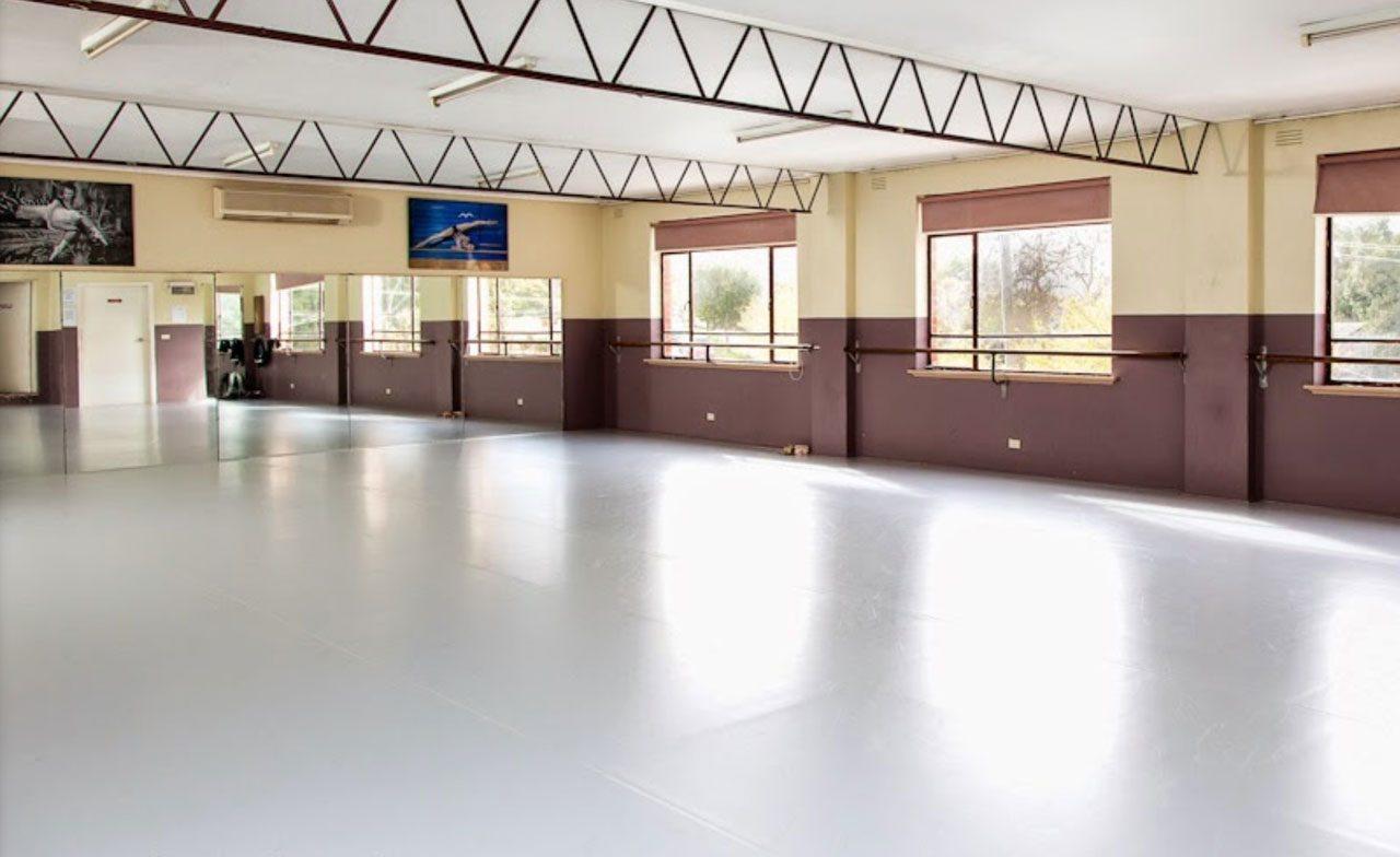 Tempat latihan balet di Donimo Royne BSD City